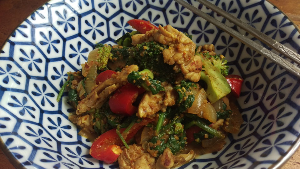 Mamatans Chicken Stir-fry with Peanut Sauce