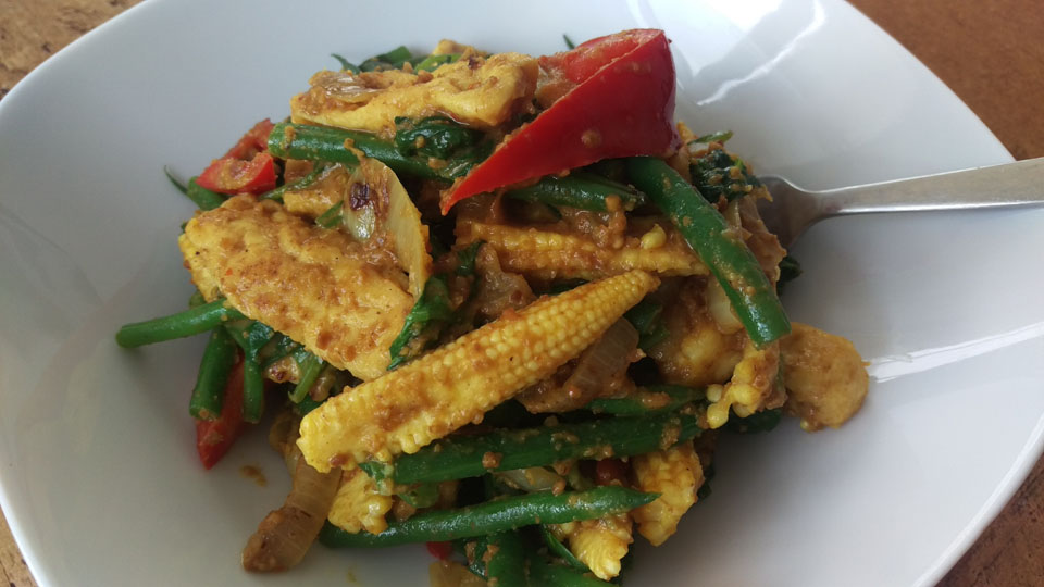 Mamatans Vegetable Stir-fry with Peanut Sauce